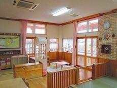 すみれ組の保育室
